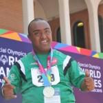 أحمد بشير الحاصل على الميدالية الأولى في ألعاب القوى